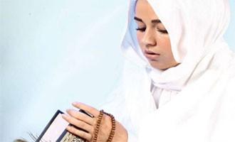 تضاد دیانت با برهنگی دختران